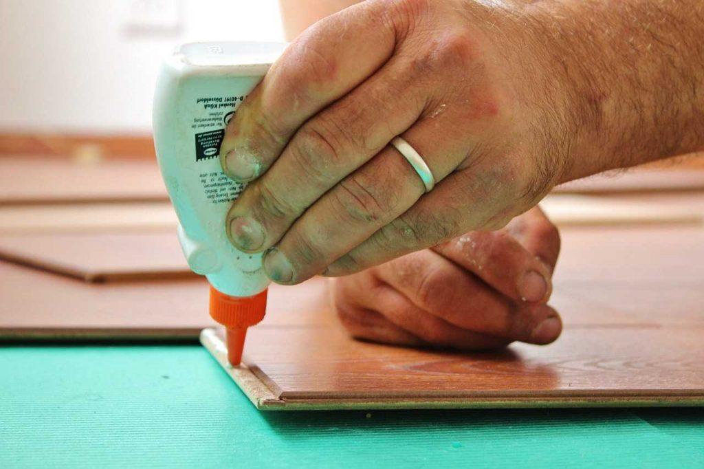 كيفية لصق الزجاج على الخشب : اقرأ - السوق المفتوح